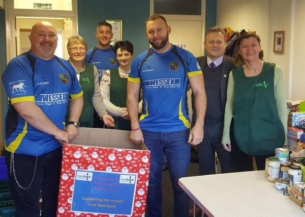 Rugby players and prison staff team up to help Yate foodbank