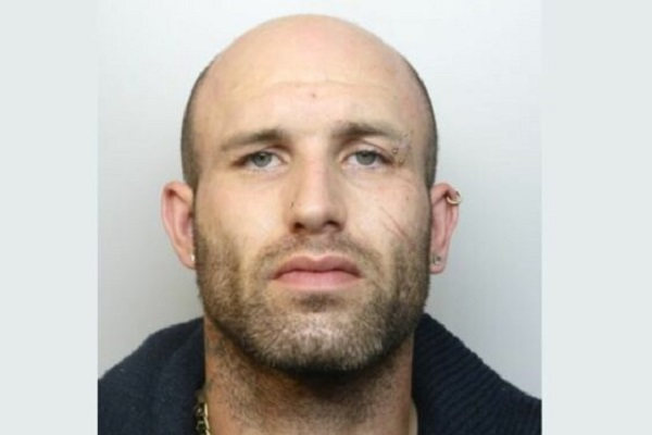 Man wanted over robbery could be in Yate or Chipping Sodbury