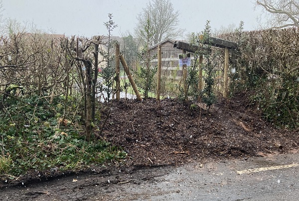 Park entrance blocked after safety fears raised