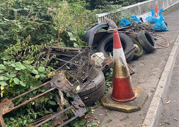 Huge haul of rubbish in Yate river Frome clean-up