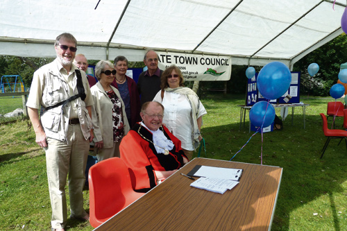 Plans are being made for a repeat of a successful public picnic in Yate.